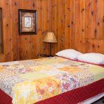 Cabin 7 queen bed room