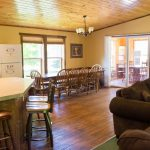 Cabin 14 Reunion Home Dinning room and kitchen bar